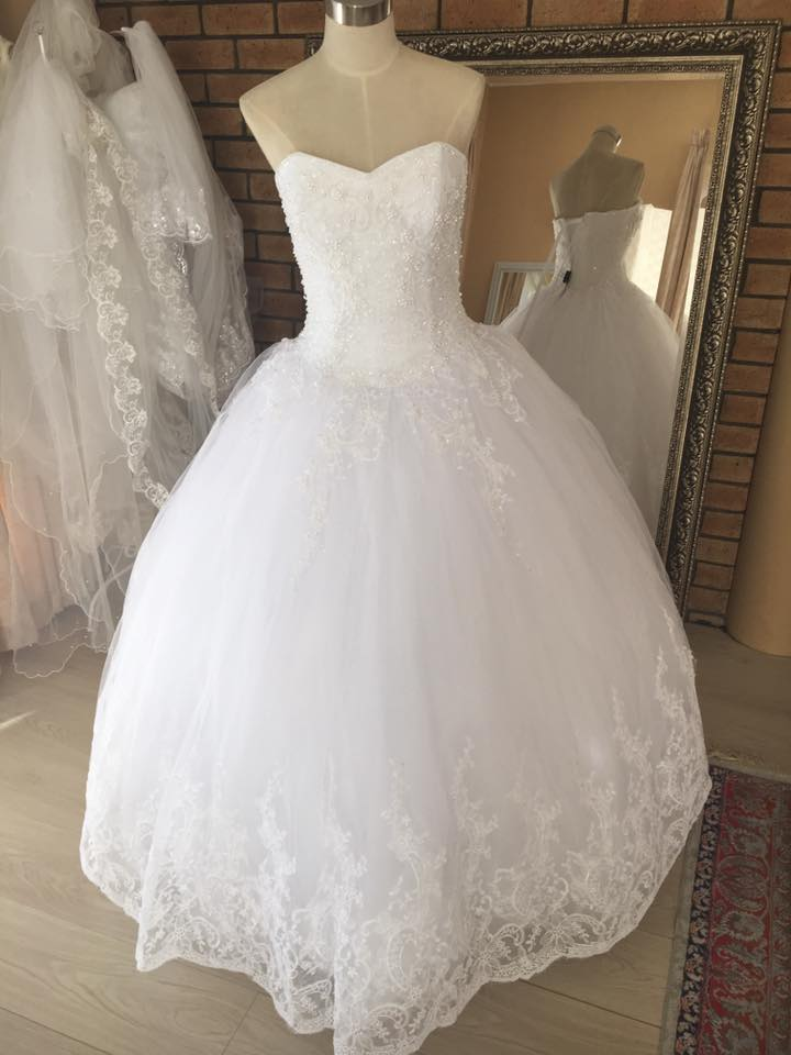 beaded lace applica ball gown full view
